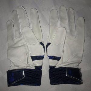 Nike Accessories - New L NIKE MVP White Blue Baseball Batting Gloves